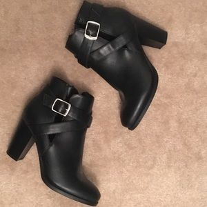 Black Bamboo ankle boots 6.5